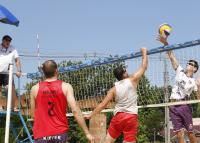 Domingo teve torneio de vôlei na Praça Paraíso do Vale