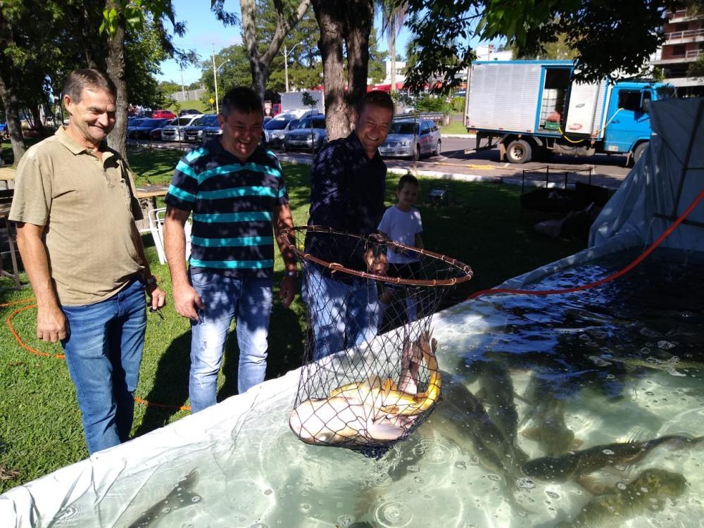 Feira do Peixe e Artesanato movimenta largo Dom Vicente